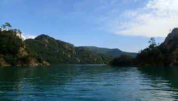 Kayak en la Llosa del Cavall. Cala de la Sobirana