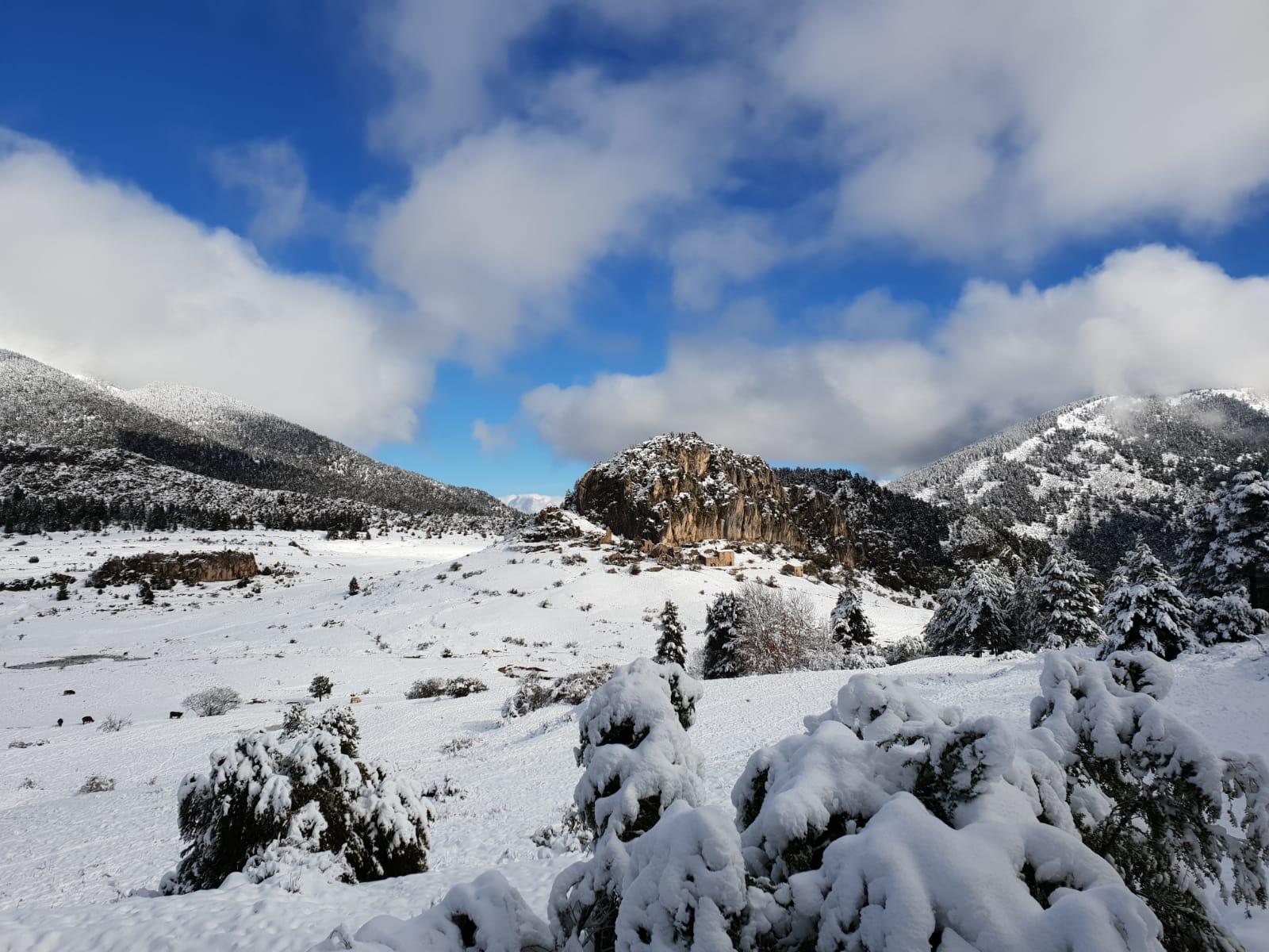poble abandonat de peguera nevat