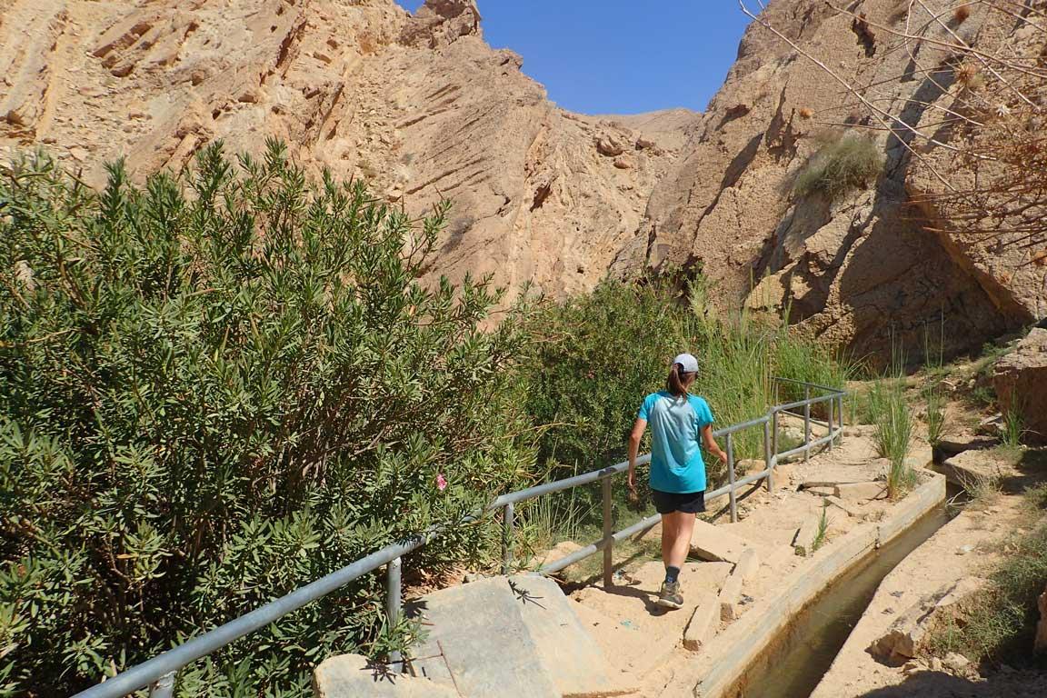Resseguim el canal per accedir al Wadi Weida'a