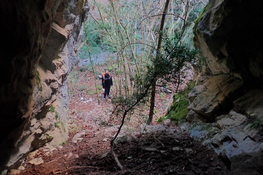 el torrent del Grau de l'Ós vist des d'una cova