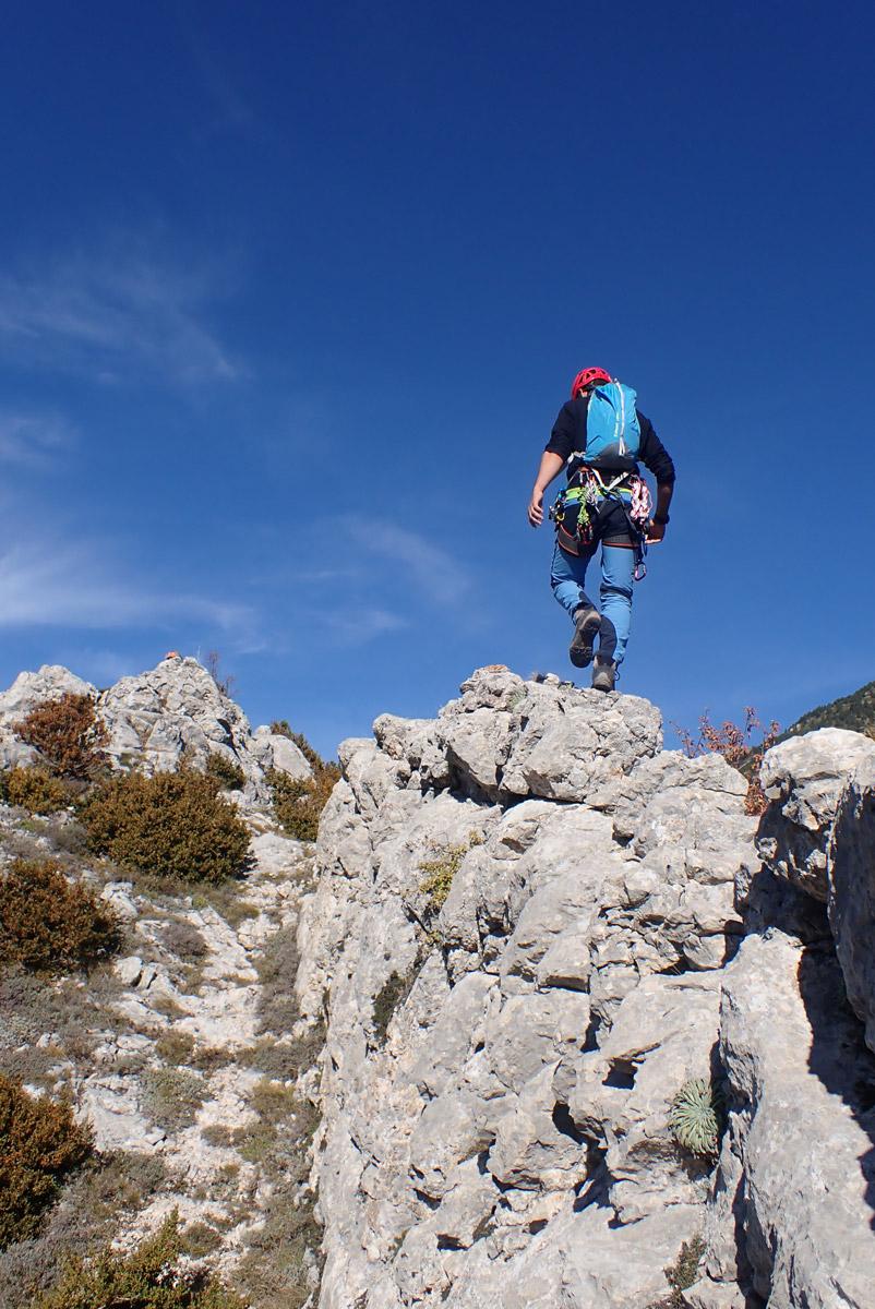 cresta al poble abandonat de Peguera
